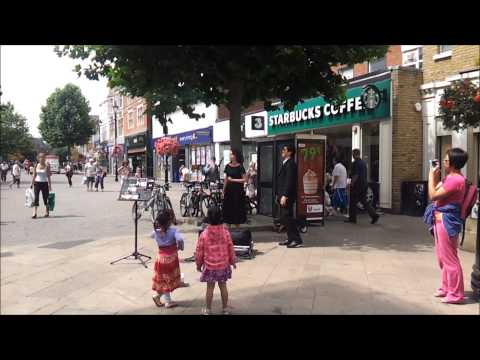 Sul Fiato live street performance Staines