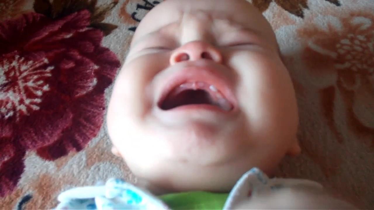 зубы верхние режутся фото