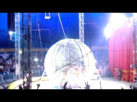 Circo Porto Rico - O Fantástico globo da morte em Horizonte