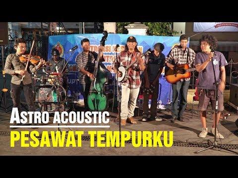 PESAWAT TEMPURKU - Penonton Nyanyi Suara Mirip Iwan Fals, ASTRO ACOUSTIC Malioboro (Pengamen Jogja)