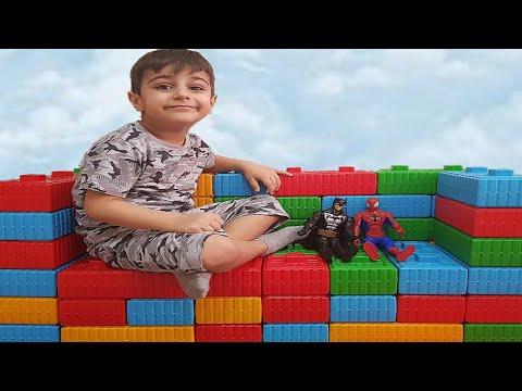 Çınar Efe lego bloklar ile koltuk yaptı - Fun kid video, learn colors with.