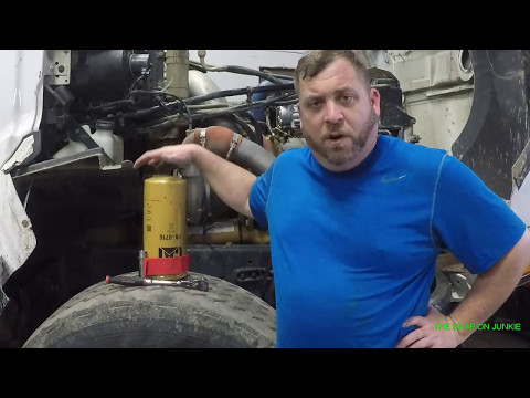 THE SNAP ON JUNKIE HOW TO CHANGE OIL IN C 15 AND MORE NEW TOOLS