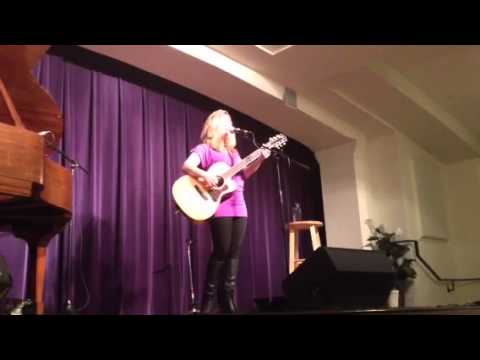 """Dar Williams """"The One Who Knows"""" at Roots Revival"""
