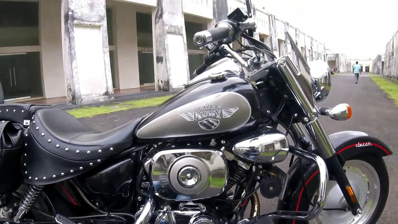 Essai Kaisar Ruby 250cc V Twin A Bali En Francais (French
