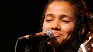 "Nneka LIVE ""Shining Star"" - My Fairy Tales - Tour 2015 @Jam"