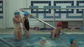 Первое занятие в бассейне