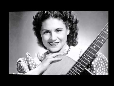 Early Kitty Wells – **TRIBUTE** – Gathering Flowers For The Master's Bouquet (1949). ***