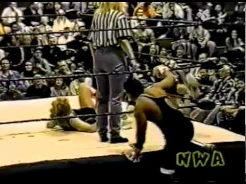 Rik Ratchet & Felipe vs. Mae Young & The Fabulous Moolah - 12/11/1999