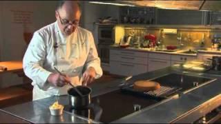 Glaçage Au Chocolat Par Pierre-dominique Cécillon Pour Larousse Cuisine