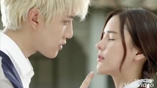 Озорной поцелуй (Таиланд)