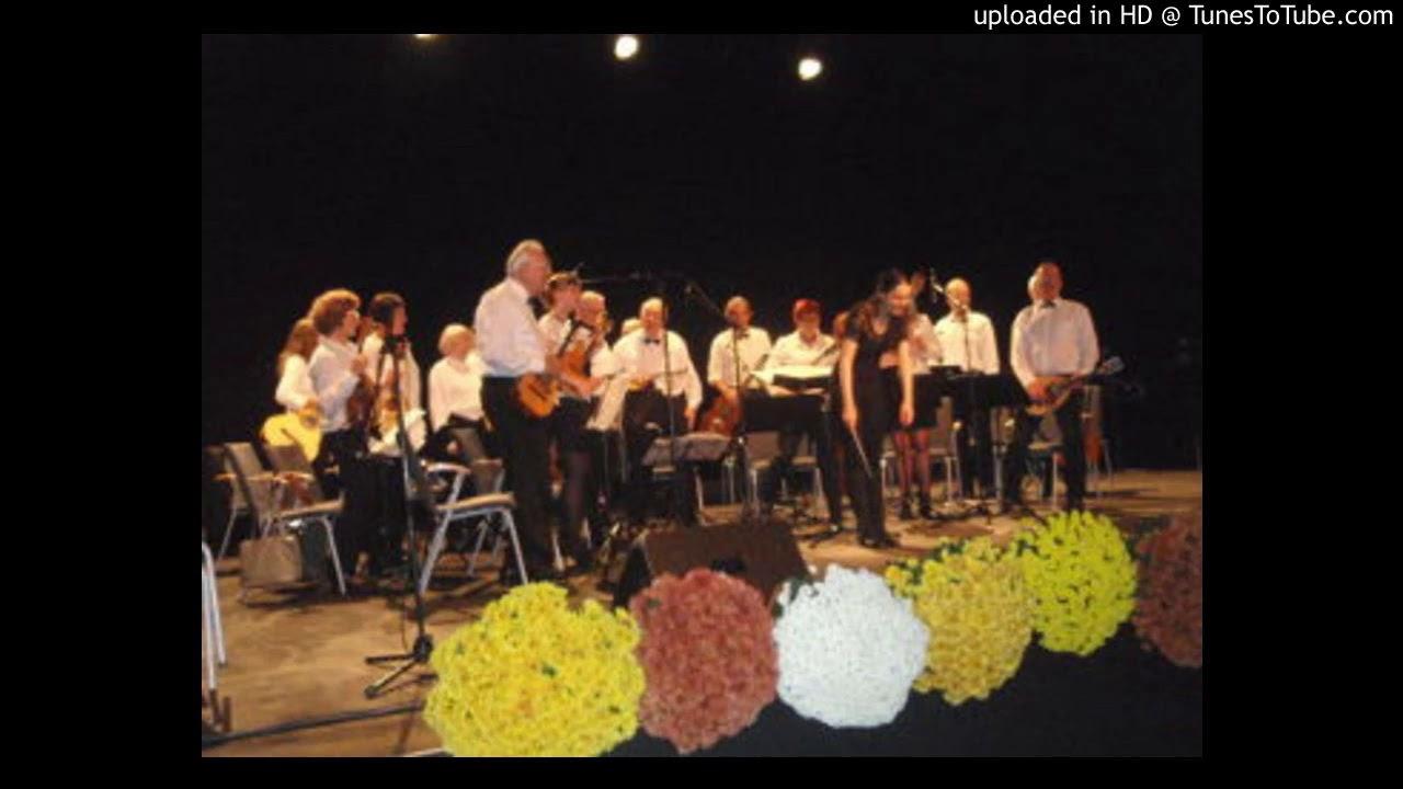 10-Mélodies d' Offenbach http://mandolines-serenata.fr