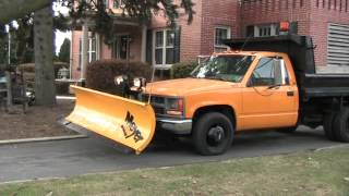 Chevy 1 TON Meyer Snow Plow Dump Truck Test Operation Video