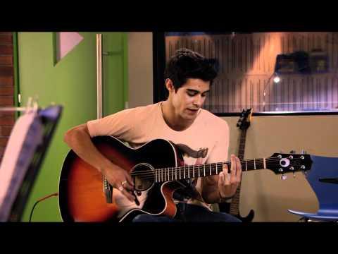 Tomás canta Te esperaré | Momento Musical | Violetta