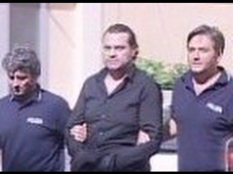 Caserta - Camorra, arrestato Di Caterino nel bunker coperto dal box doccia (06.10.12)