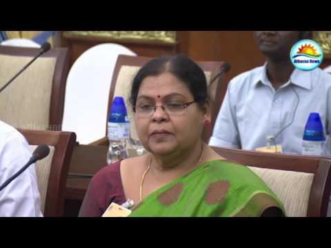 Jaffna university students meet president in Colombo