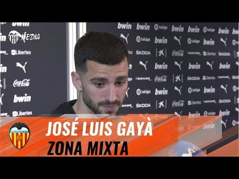 JOSÉ LUIS GAYÀ HABLA EN ZONA MIXTA TRAS LA VICTORIA DEL VALENCIA CF FRENTE AL FC BARCELONA (2-0)