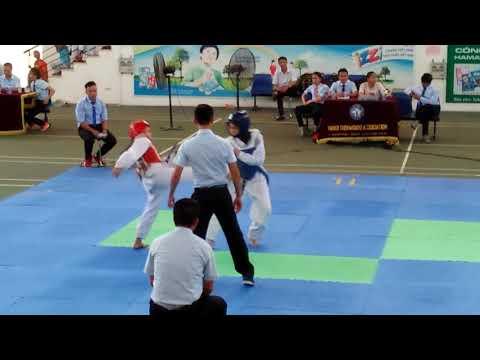 Thi đấu taekwondo nữ