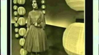 Little Peggy March - I Will Follow Him (live - very short)