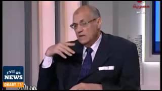 بالفيديو.. كسر نظارة خبير مائي على الهواء أثناء حديثه عن السيول | المصري اليوم