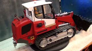 Details on my RC hydraulic tracked loader