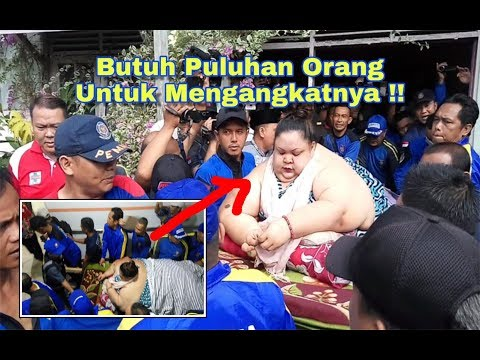 Mengangkat Titi Wati Wanita 350kg, Petugas membongkar Jendela