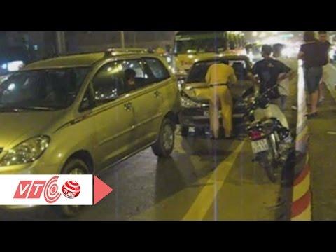Đâm xe liên hoàn trên cầu vượt Mai Dịch | VTC