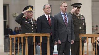 وزير الدفاع التركي يحذر من أي فراغ أثناء انسحاب أمريكا من سوريا…