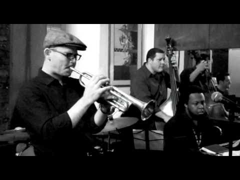 """Love The Way You Lie"" Jazz cover by Charlie Porter live at Cleopatra's Needle, NYC"