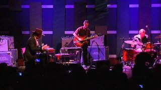 "Ray LaMontagne Performs ""Beg, Steal or Borrow"""