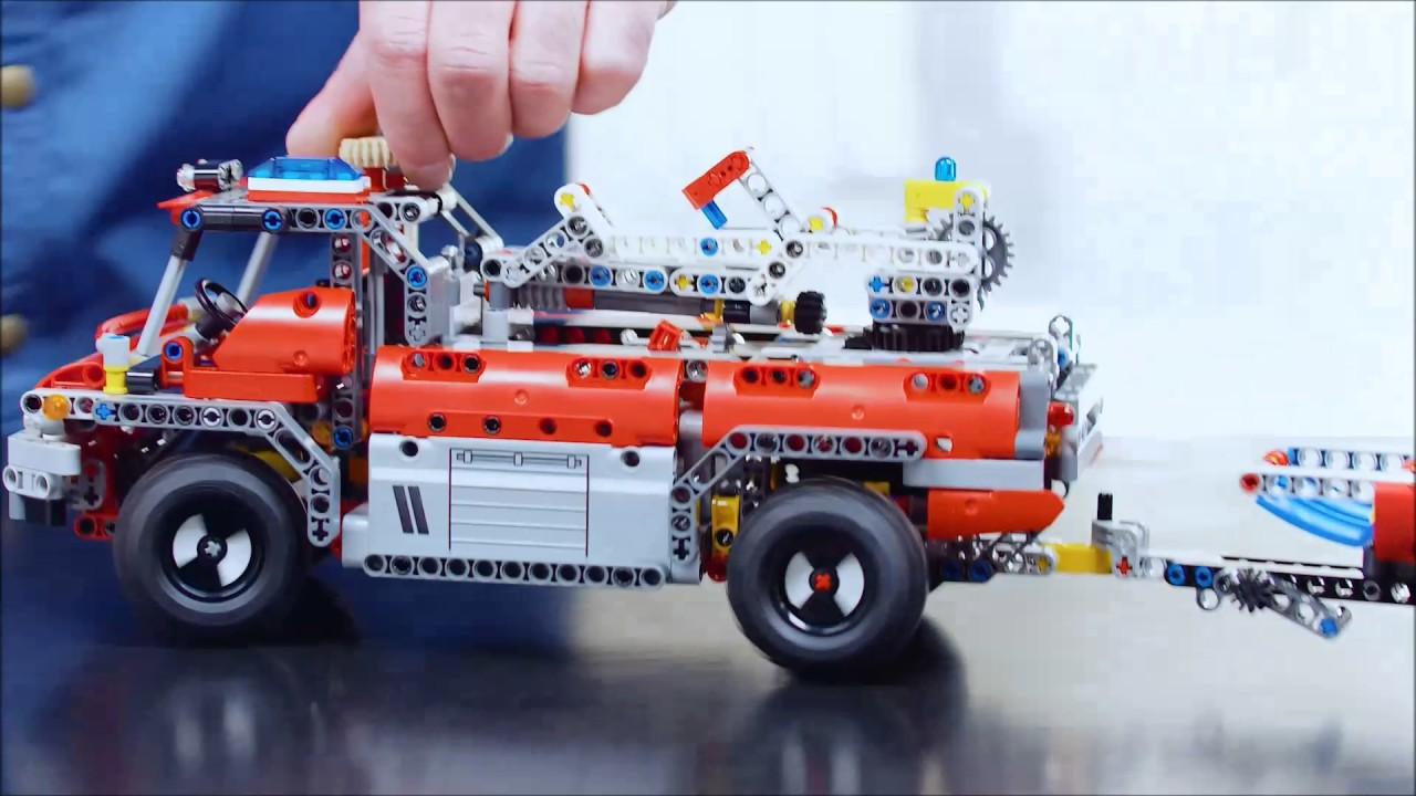 Smyths Toys Lego Technic Airport Rescue Vehicle 42068 Youtube