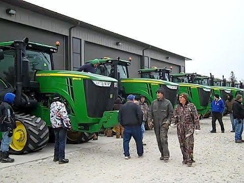 Blooming Prairie, MN Farm Auction Dec. 19, 2014 - Late Model JD Tractors