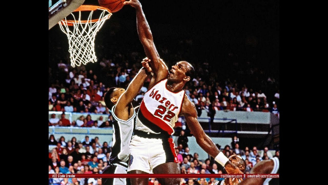 """NBA 2K13 My Team Clyde """"The Glide"""" Drexler and Bill Russell Pack"""