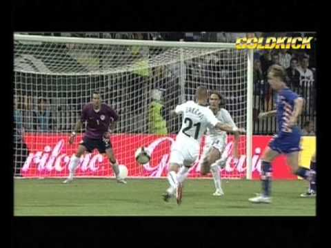 Ivan Rakitic - Croatia - Gold-Kick