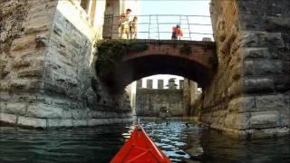 Anteprima del video gita in kayak Sirmione 13 ottobre 2011.wmv(Gita in Kayak al Castello Scaligero Sirmione, 13 ottobre 2011 (Anteprima del video completo), 2011-10-14T19:47:43.000Z)
