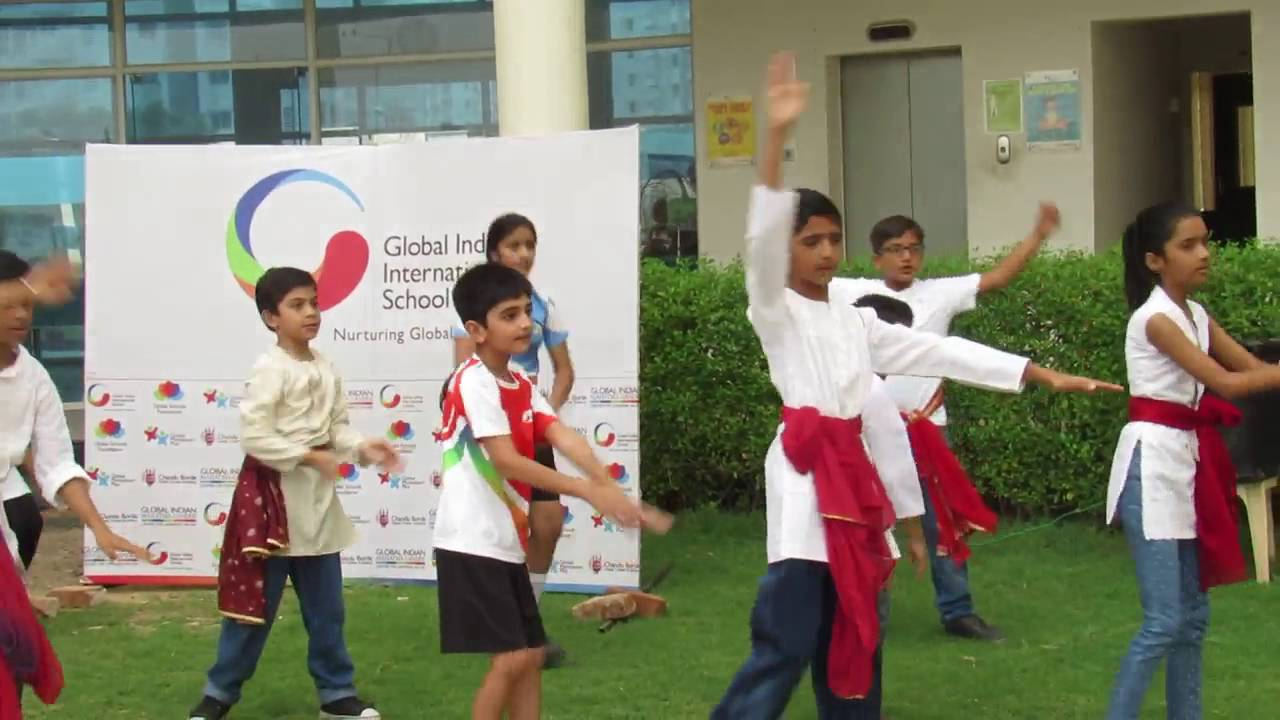 GIIS Van Mahotsav - Students perform an impromptu dance to celebrate Van Mahotsav
