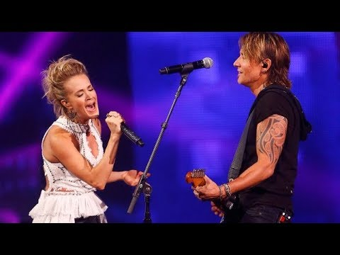 Keith Urban and Carrie Underwood  The Fighter   at 2017 CMT Music Awards