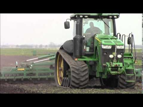 5 tractors drillin beet in the Fens.2014.wvm