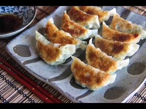 shrimp-gyoza-recipe---japanese-cooking-101