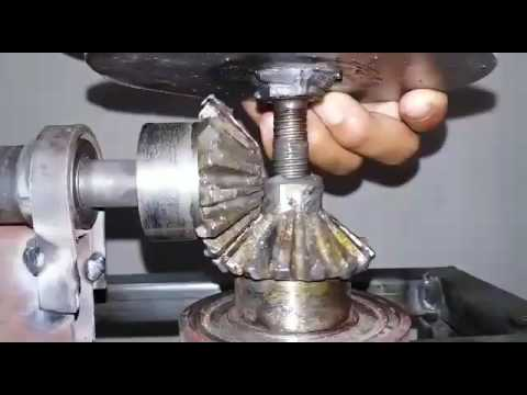 Screw Jack Lift Using Bevel Gear Arrangement Youtube