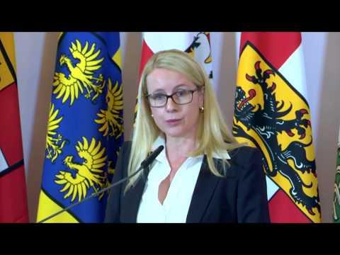 Margarete Schramböck zum Thema Digitalisierung.
