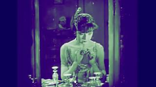 The Flapper Makeup Routine - Colleen Moore 1923 Thumbnail