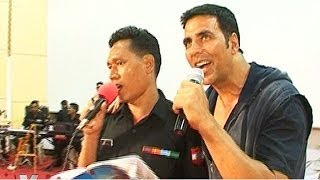 Akshay Kumar 'CAUGHT' in action with the Indian Army