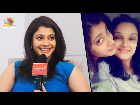 ഞാനും ജോമോളും അടയും ചക്കരയും പോലെയാണ് - Parvathy Nambiar Interview | Saiju Kurup, Jomol | Carefull