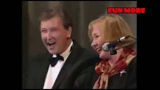 Смотреть Валентина Коркина и Виктор Остроухов - Семейная сцена онлайн