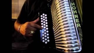 los morros del norte dos botellas de mezcal instruccional tutorial acordeon de botones sol