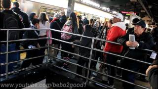 IRT Subway: Massive delay and crowd at the (7) Queensboro Plaza Station