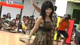 Kiki Anggun feat Uus - Amempe Dhika [OFFICIAL]