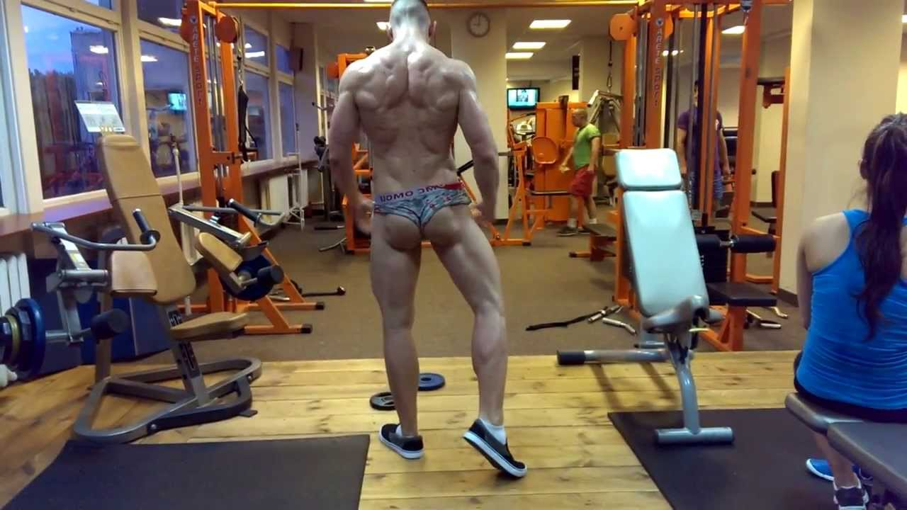 Natural Bodybuilder Owca one day out- posing practice