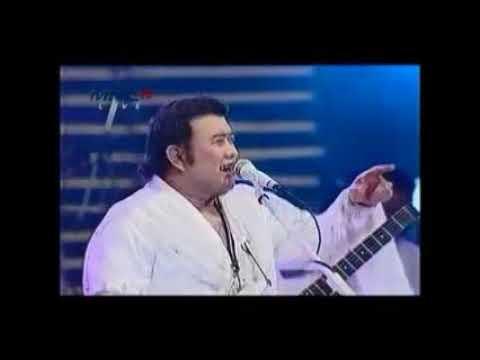 Rhoma Irama & Soneta Group ---  PRIMADONA DESA  --- Dangdut Live Show --  1,075