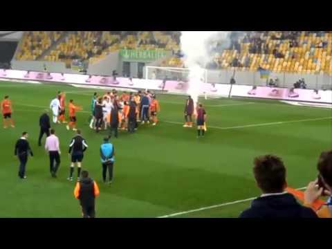 Футболисты «Шахтера» и «Динамо» подрались в матче чемпионата Украины